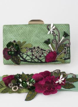 bolso y cinturón verde
