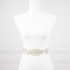 cinturón con flores y perlas para novia