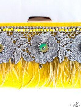 bolso amarillo invitada